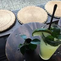 Asian chample foods goya - シークワーサーモヒート。シークワーサー果汁と泡盛を使用したあっさりさっぱり味☆ノンアルコールも出来ますよ〜♪