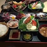 魚家 - サービスランチ 1890円