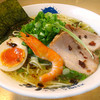 べらしお - 料理写真:【べらしお名物!】こくまろらーめん(塩・醤油)760円…野菜をじっくり炒めて作ったこがし油の深いコクとまろやかなスープ!