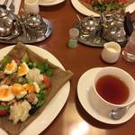 55594218 - ガレットと紅茶