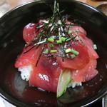 たばら食堂 - 料理写真:2色丼 700円!