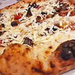 トラットリアピッツェリア polipo - 焼きリコッタチーズのピザ
