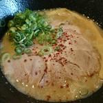 55598117 - 背脂醤油白湯ラーメン(750円)