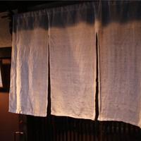 天ぷら割烹 なかじん - 清潔な白い麻のれん