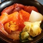 55601431 - 海鮮丼のアップアップ