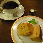丸福珈琲店 - バウムクーヘンとコーヒーのセット☆