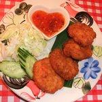 路地裏のタイ料理とお酒 バナナ食堂 - 【New】タイ風さつまあげ