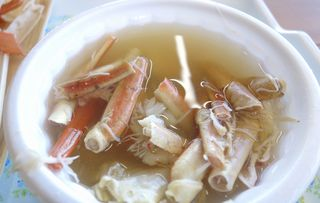 かに弥 - 熱々スープも蟹の旨味たっぷり!身も出汁も美味しく楽しみました。