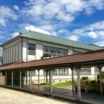 西脇大橋ラーメン - 【おまけ写真】西脇小学校は、オヤジ的小学校のイメージそのまま。タイムスリップしたみたい。