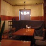 カフェ・ハット - 奥には座敷タイプ席