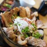 丼KING - 料理写真:豚丼キング