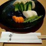 日本そば あけの蕎 - 『お新香の盛り合わせ』¥420-