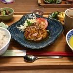 ウェル ファー キッチン ロティ - 本日のランチ