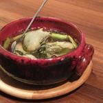 ボヌール - 牡蠣とアスパラガスのハーブアヒージョ