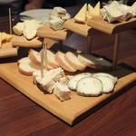 ボヌール - チーズ7種盛り