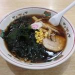 大黒庵本店 - 黒っぽいスープの蕎麦屋のラーメン。