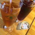 oyster&wine kitchen K - 烏龍茶とアイスコーヒー