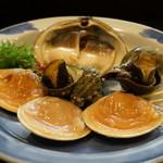 番屋ながさわ - 北寄貝、つぶ貝、サザエ、ハマグリ・・貝三昧の浜焼き