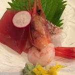 レストラン アカショウビン - 【夕食】マグロ、タイ松皮造り、甘エビ