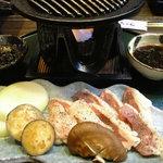 てっちゃん - 伊勢赤鶏の陶板焼き