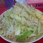 55640050 - ラーメン大  ぶた入り(ニンニク 野菜)