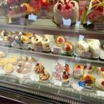 お菓子の店 ファリーヌ - 生ロール✨ずーっと前からあります✨美味しいです!