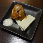 サキ ホール ヒビヤ バー - 卵焼き、レバー