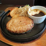 ごちそうお肉ビストロ くう海 - もちぶたハンバーグセット