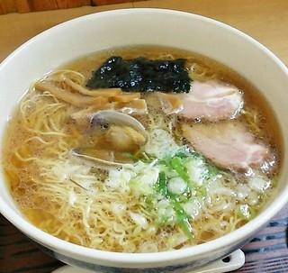 らーめん工房 魚一 - らーめん工房 魚一@釧路駅 魚醤ラーメン・あっさり味・大盛のアップ