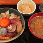 55649495 - 朝の少し小さめ海鮮丼(生しらす入り)