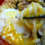 極楽うどん TKU - 温玉と混ぜて食べたらめちゃ旨!!