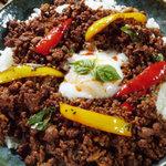 野毛山カレー食堂 - ムーガパオ(ひき肉とバジルのオイスター炒めご飯) \800