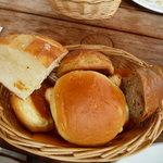 5565949 - モーニングセットのパン
