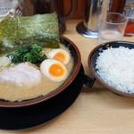 松田家 - ラーメンライスです♪