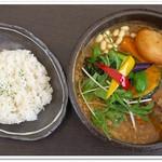 55653742 - ひき肉温玉納豆と野菜