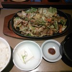 やよい軒 - 豚肉とたっぷり野菜の味噌炒め定食