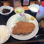 とんかつや漫遊亭 - ロースとんかつ定食¥734(税込)