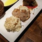 セルベセリアルービロポッサ - 1609 セルベセリア ルービロポッサ 前菜3種 アイヨリポテト、スペインオムレツ、鶏パテ