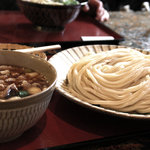 製麺練場 風布うどん - 肉汁うどん(中盛)750円。2010年10月撮影。