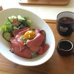 カフェ リッチョ - ローストビーフ丼ランチ