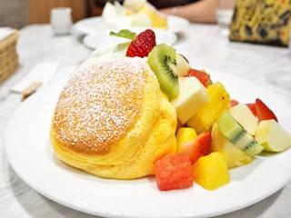 幸せのパンケーキ 表参道店 - '16.08季節のフレッシュフルーツパンケーキ+アイス