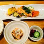 簓 - 魚料理膳(サーモンと野菜のグリル)
