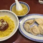 上海餃子 りょう華 - 四川半麺セット(1,000円)