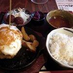 芝浦食肉 - タワーハンバーグ定食