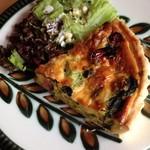 コーローカフェ - 季節の野菜とベーコンのキッシュ
