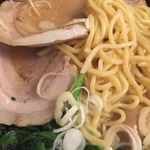 クリーミーTonkotsuラーメン 麺家神明 - 神明スペシャル ¥1080 替玉¥120