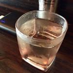 たこやき 壱番 - 冷酒。500円。