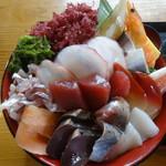55676874 - ギガ海鮮丼
