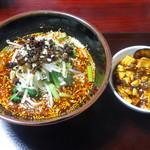 55678635 - 四川担担麺とミニ麻婆丼