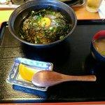 きんちゃく家 - 生しらす丼 780円